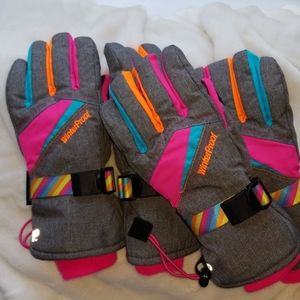2 pair of girls winter gloves worn once